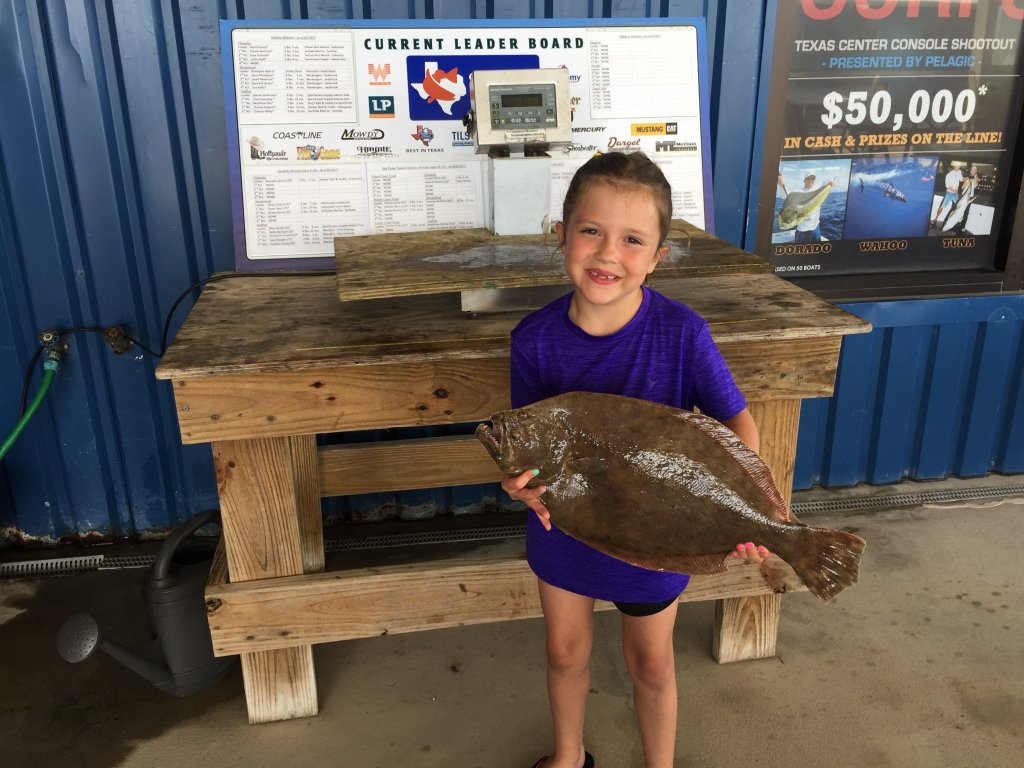 Cayla Cloudt Flounder Weigh In.png